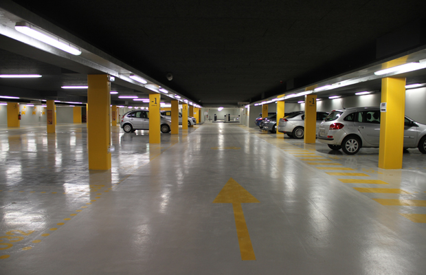 Parking con mando de garaje door opener