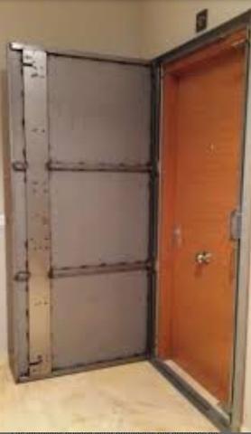 Puerta anti okupa en Alicante
